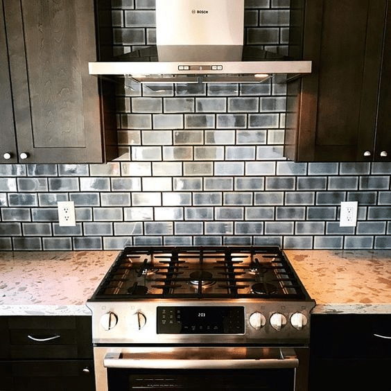 02 – Backsplash