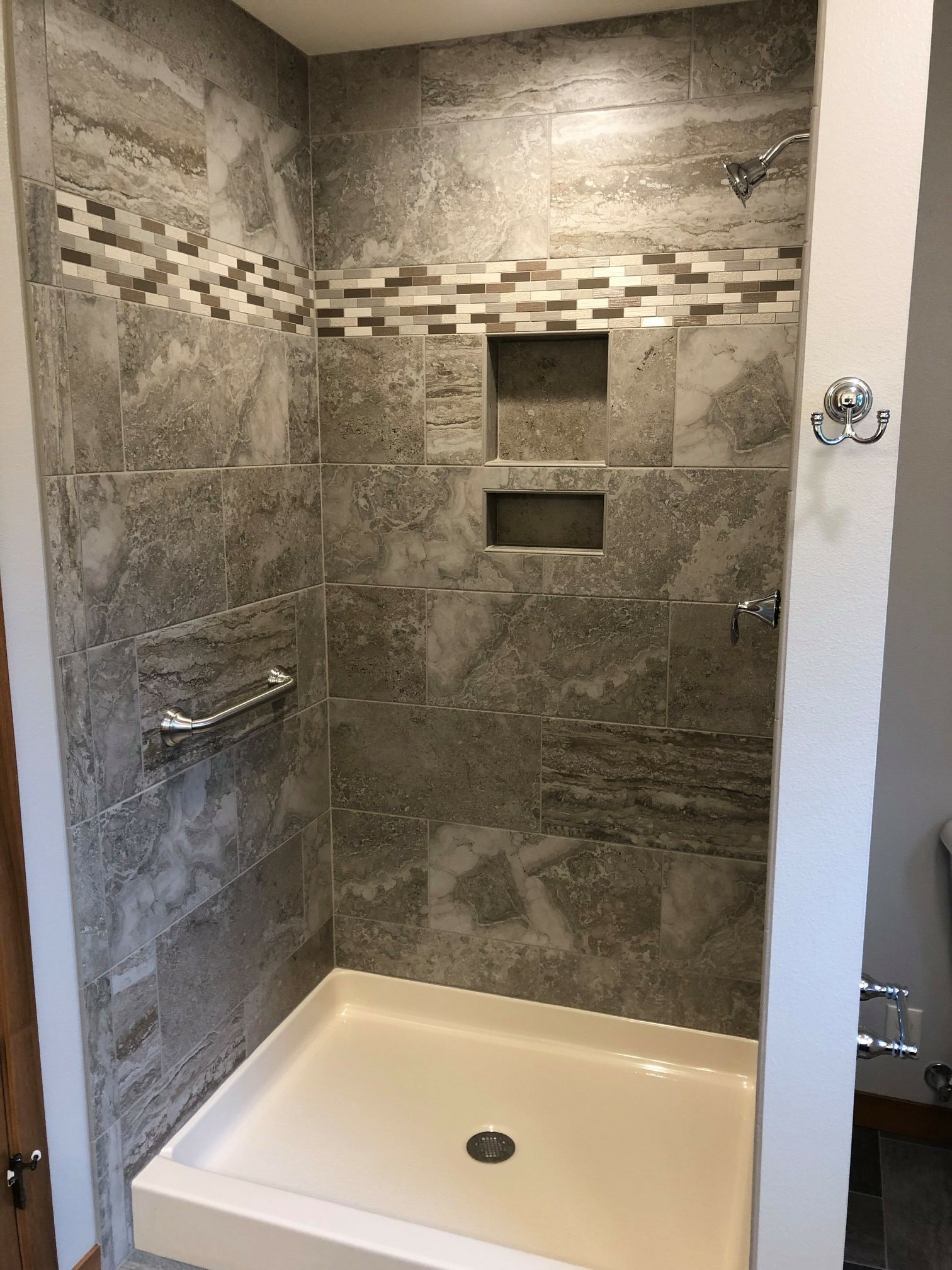 Courtneyshower